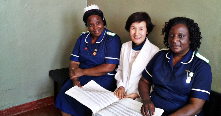 Veronica Maluwa (left) with Haeok Lee, Ph.D. (middle) and Jasintha Mtengezo (right) at Daeyang College of Nursing